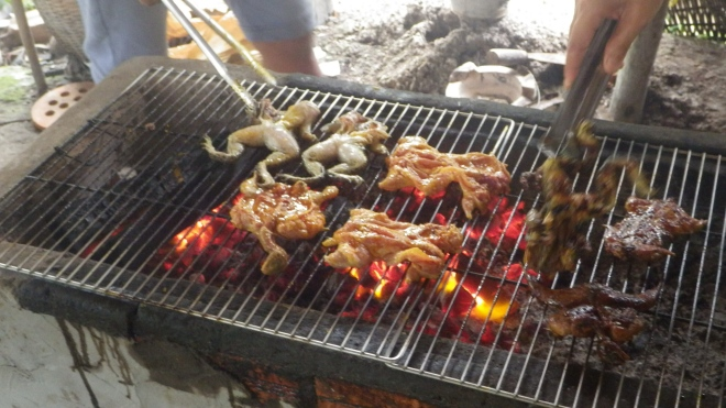 Grilled frogs for lunch!